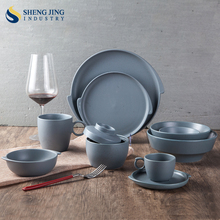 Made in china Porcelain Unique Dinnerware with Dot Design