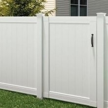 Standard hot-selling vinyl fence