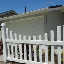 2018 hot sale PVC vinyl plastic picket fence