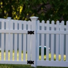 high quality picket vinyl fence