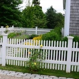 vinyl fence picket caps/a beautiful fence