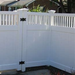 1.83mx2.44m picket fence /the different of  wood fence and pvc fence