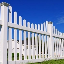 vinyl picket fence with good UV protected for outdoor use