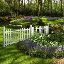 white vinyl picket fence/easy to assemble and dismantle