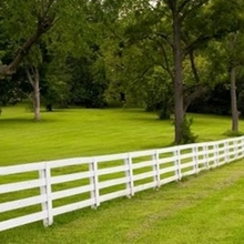 4 rail vinyl horse fencing /vinyl does not need excessive maintenance