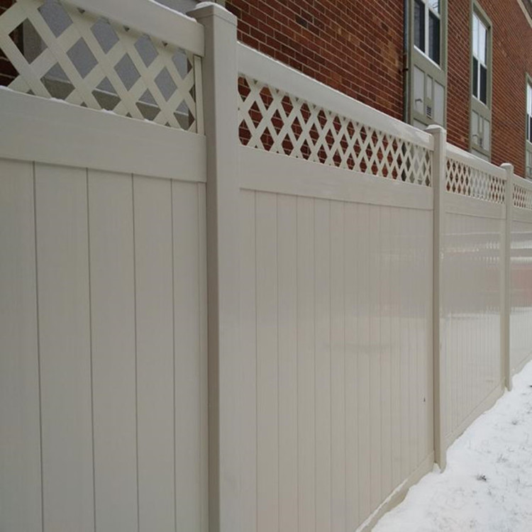 lattice privacy fence with gate