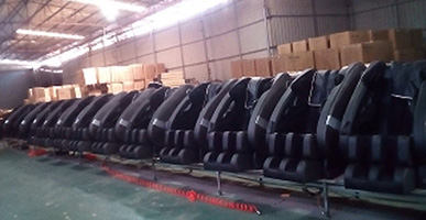 We have finished one 40HQ massage chair for Australia customer