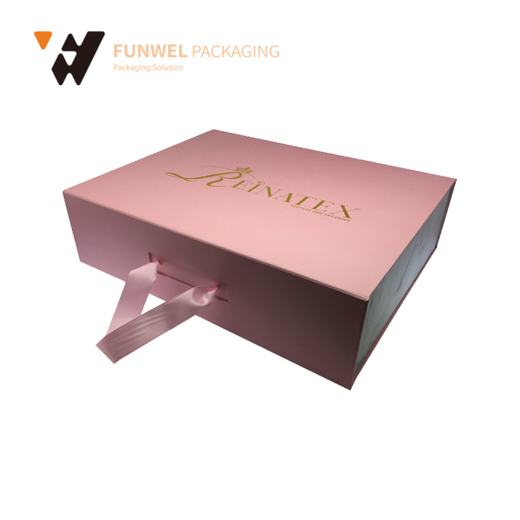 Luxury custom clothing packaging clothes hanger packaging gift box manufacturers