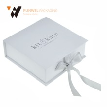 Customize Pretty Gift Packaging Box