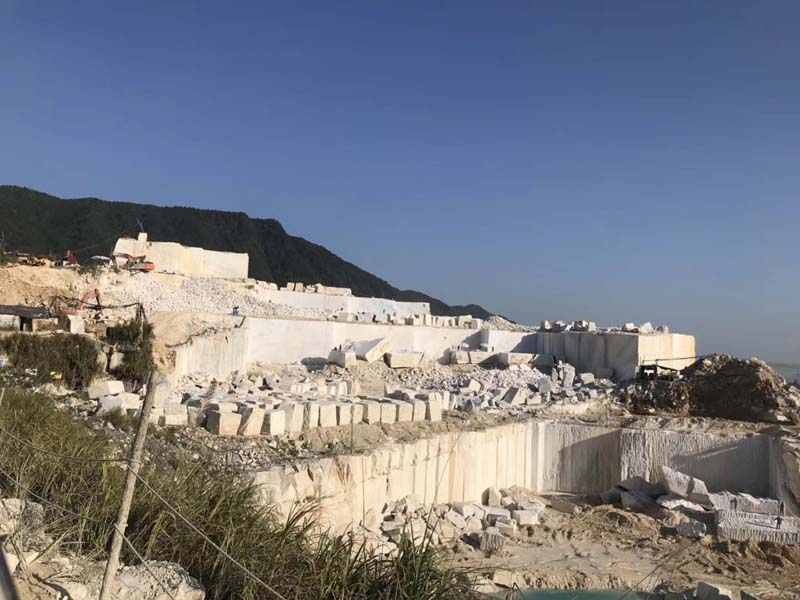 China Bianco Carrara / China Carrara White Quarry 01
