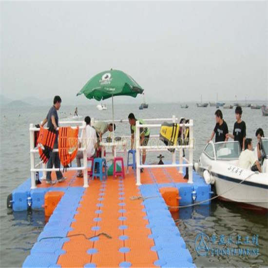 100% Recyclable Environmentally Friendly HDPE Material Floating Dock for Boats