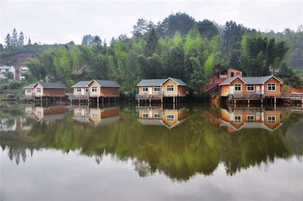 floating houses Floating Buildings on Water floating buildings