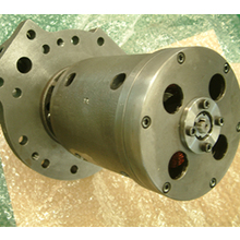 oil-submerged gear pump