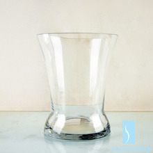Wholesale 520g cheap tall crystal flower glass vase for home decoration