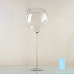 Long-Stemmed Wholesale Clear Martini Glass Centerpiece Vase