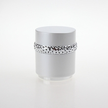 White Cosmetic Wholesale Plastic Jar with Silver Line