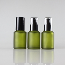 15ml 30ml 60ml 125ml 200ml Green Frosted Glass Pump Bottles