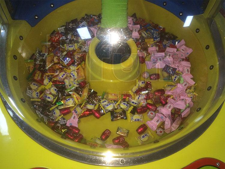 <Candy Sucker Redemption Arcade Machine>