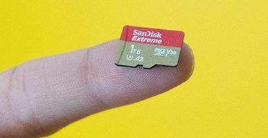 A 1TB microSD card is as insane as it sounds, but wait for it to get cheaper