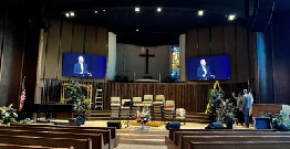 Churches achieve online worship by using Esdlumen's LED screen