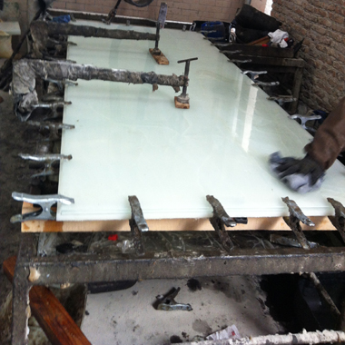 15mm Thick Tempered Glass Laminated with 15mm Thick Snow White Onyx