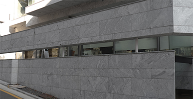 Tingida Stone Finished Three Buildings Walls Cladding and Floors Covering with Natural Granite Viscount White to South Korea