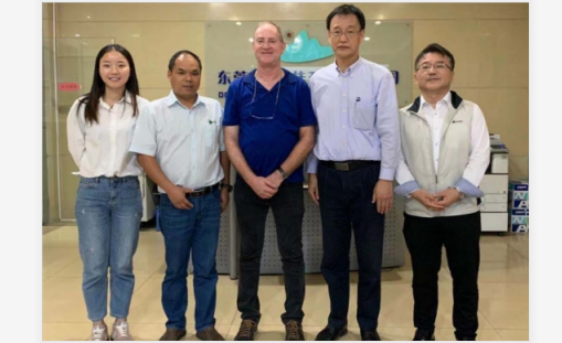 In October 31, Israeli customer visited our factory.