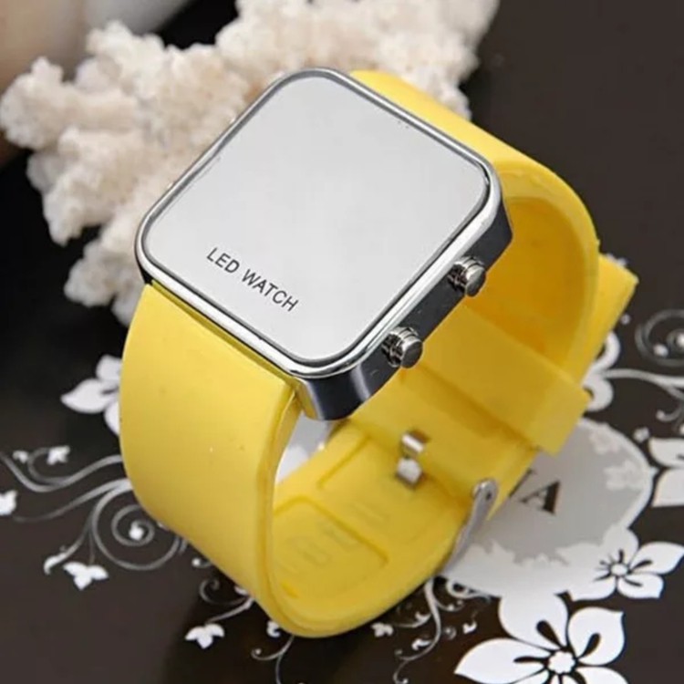 Low MOQ Custom Watch Digital dial Layer Silicone Watch Band Square Face Watch