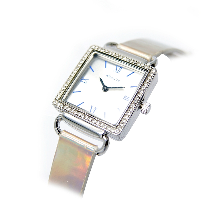 Customize Square Watch Japan Movement Luxury Diamond Watches Supplier