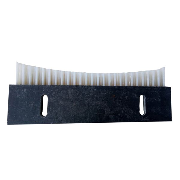 Tufted strip lag brush