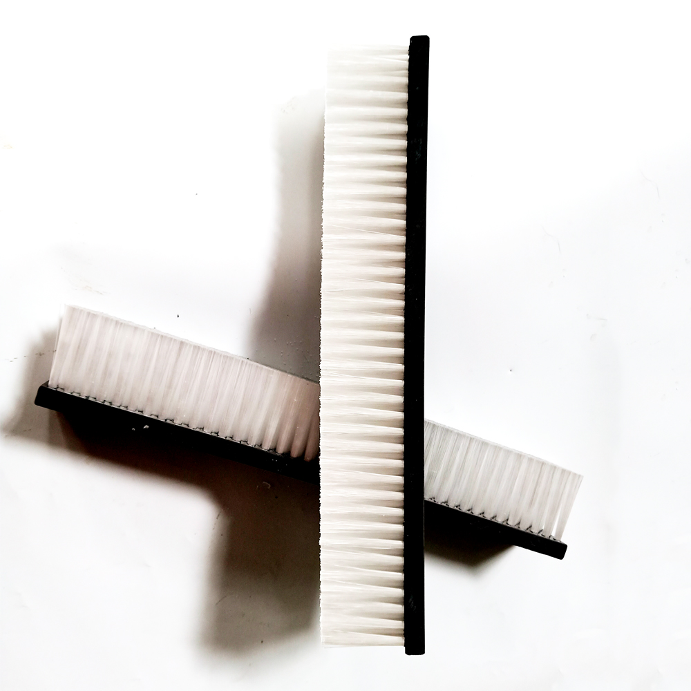 Lath brushes for automotive industry