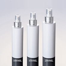 Cosmetic Plastic Spray Pump Bottle with Silver Collar