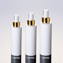 Wholesale White Spray Pump Bottle with Gold Collar